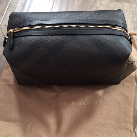 5d26378df66d Burberry Lance London Check Travel Toiletry Case